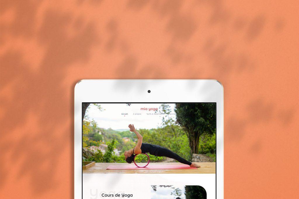Mockup Mia Yoga